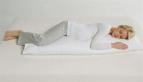 zwanger slapen met een lichaamskussen