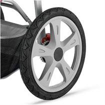kinderwagen-met-plastic-velgen
