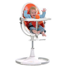 Een-moderne-kinderstoel-heeft-veel-extra-functies